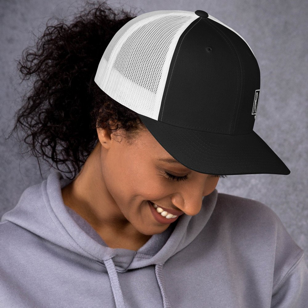black-white-right