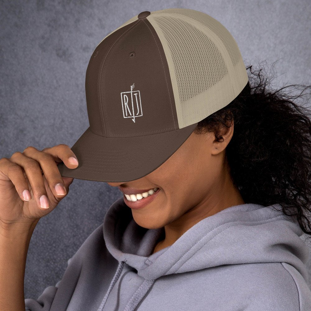 brown-khaki-left